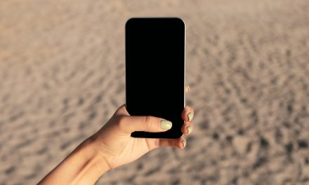Ultraviolet Phone Sanitizer: A Must-Have Mobile Accessory